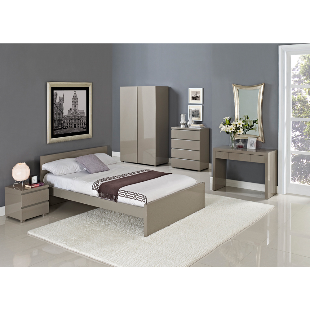 Bed - 4\'6\
